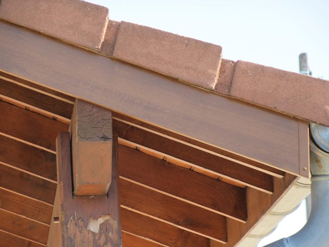 Habillage de bandeaux de toiture en aluminium à Mâcon, Bourg-en-Bresse
